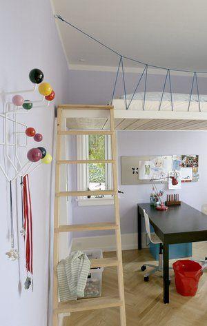 En hems er en indskudt etage eller afsats, som kan skabe ekstra plads i rum med højt til loftet.