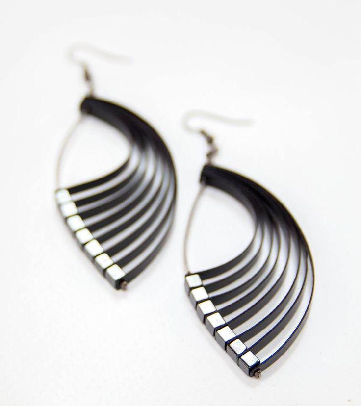https://www.facebook.com/Zwana.modular.jewelry?fref=photo