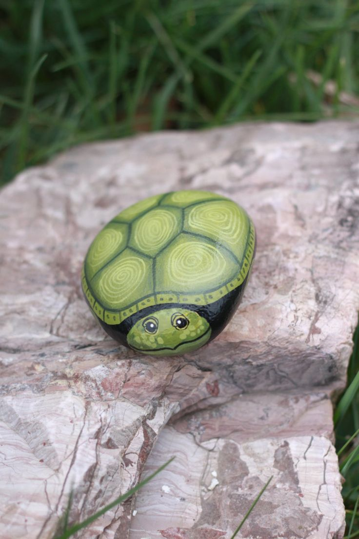 Painted Rocks - Hand Painted Turtle Rock - Turtle Rock - Garden Decor by PetRocksbyTheresa on Etsy