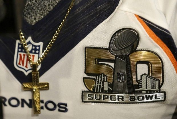 A Super Bowl 50 patch is shown on the jersey of Denver Broncos wide receiver Demaryius Thomas as he speaks to reporters in Santa Clara, Calif., Thursday, Feb. 4, 2016. (AP Photo/Jeff Chiu)