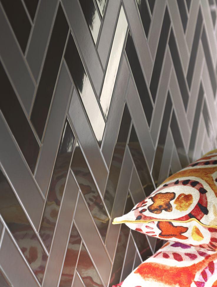Tonalite collezione Arrow Silk 23x5 in 7 colori lucidi e Arrow Satin 23x5 in 7 colori matt. Posa a lisca di pesce. Chevron, tiles, piastrelle, ceramiche, ceramica, walltiles, floortiles, rivestimento, pavimento zig zag, home, casa, homedesign, homedecor, interiordesign, arredamento, architettura, archiproducts, architecture, architetto, ceramicsofitaly, madeinitaly, madeinitalywithpassion, italianstyle, italiantiles, bathroom, kitchen, bagno, cucina, azulejos, carreaux