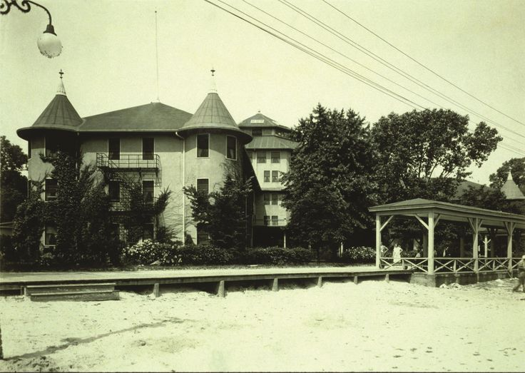 Hotel  Breakers at Cedar Point in 1905