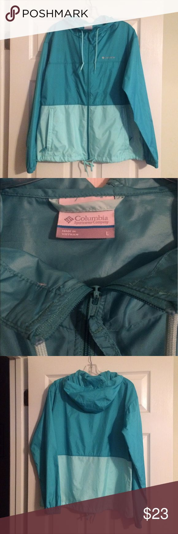 Columbia lightweight rain jacket Columbia lightweight rain slicker in excellent condition! Zippered front with 2 zippered pockets and an adjustable collar and hood. Two toned shades of green. Size large. Columbia Jackets & Coats