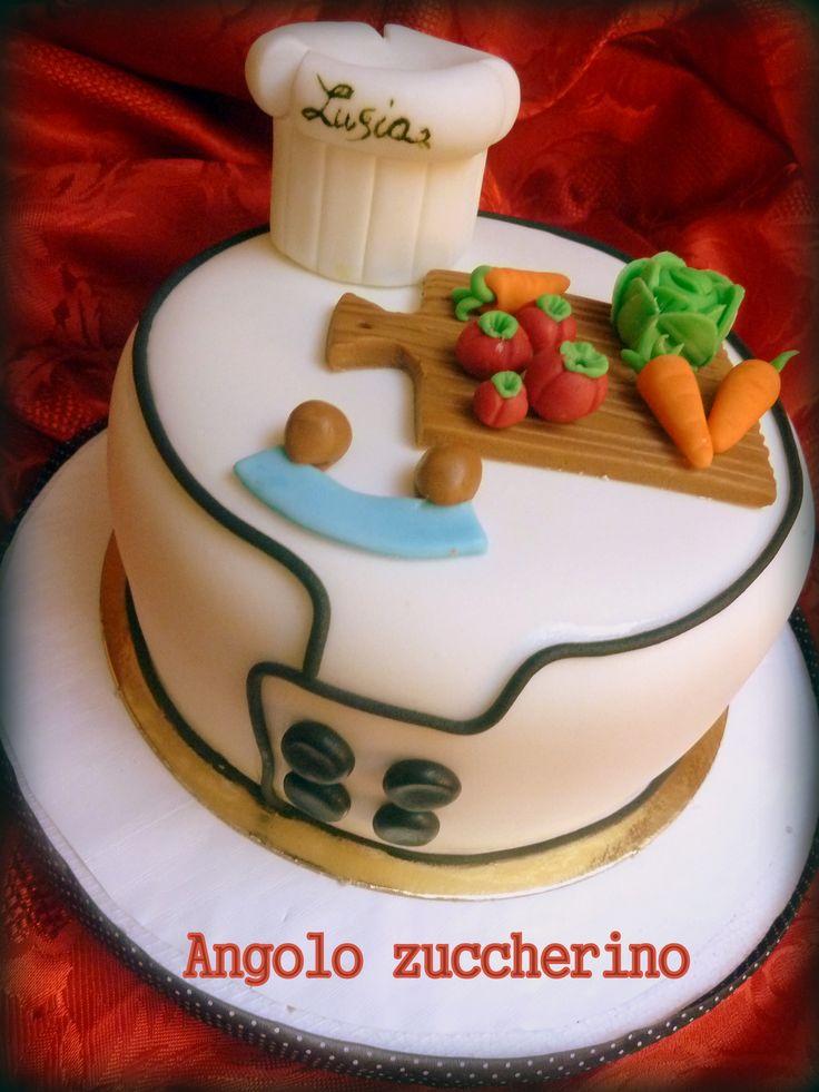 TORTA PER AMANTI DELLA CUCINA an di spagna al cioccolato ripieno di chantilly al cioccolato e scaglie di cioccolato fondente. Peso e ripieno possono variare a seconda delle esigenze  #homemadefood #takeaway #mychefhome #cucinacasalinga #asporto #foodsharing #desserts #dolci #party #pescara