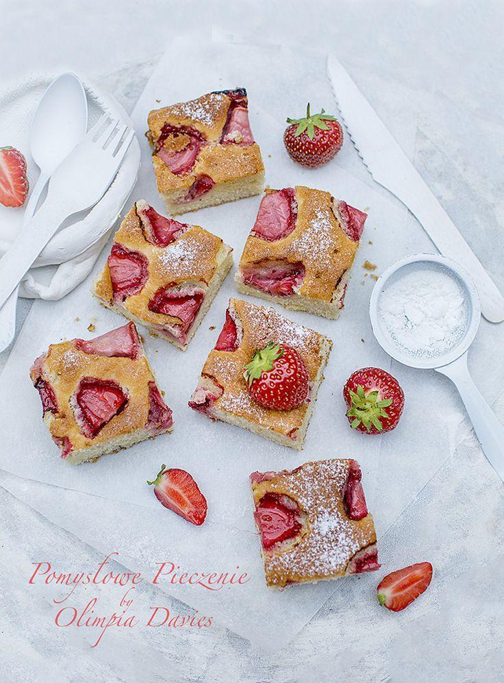 Pomysłowe Pieczenie: Ucierane ciasto z truskawkami na semolinie