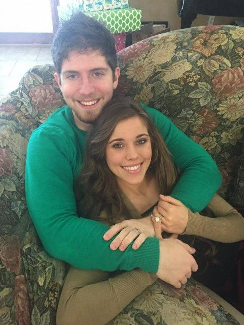 A Christmas photo of newlyweds Jessa Duggar and Ben Seewald, posted to the family's official Facebook account, may be a subtle way of revealing some new pregnancy news! Description from pinterest.com. I searched for this on bing.com/images