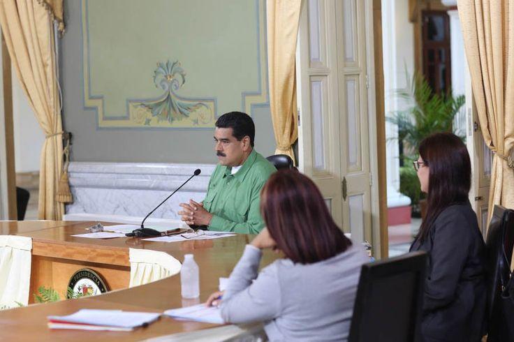 """El presidente de Venezuela, Nicolás Maduro, informó este jueves que ordenó al ministro de Interior y Justicia, Néstor Reverol, detener """"a todo aquel que pretenda especular"""" y subir los precios de los productos en el país basándose en el dólar no oficial, que en los últimos días ha subido de forma exponencial."""