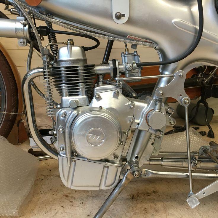 Motom48LL 'Baretello' engine.
