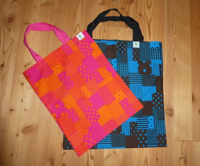 Stofftaschen und Stoffbeutel beim Glücksfrosch. Umweltbewusst und individuell, jede Tasche ist ein Unikat. Frech, fröhlich und schick! www.gluecksfrosch.de