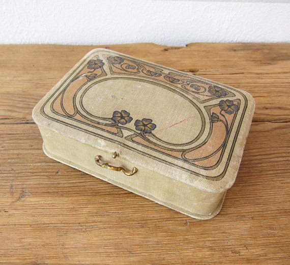 Antique 1900 Art Nouveau box / Linen covered French Beauty case / Jewelry box / Rings storage / Gift idea