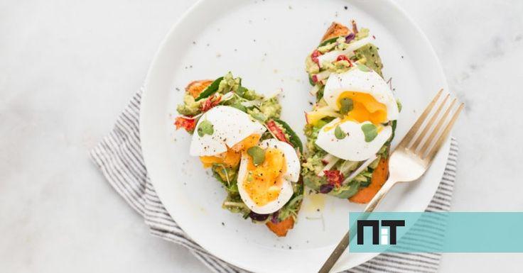 Ovos no frasco, egg muffins e ovo escalfado em tosta de batata doce são algumas das opções. Toma nota dos ingredientes.
