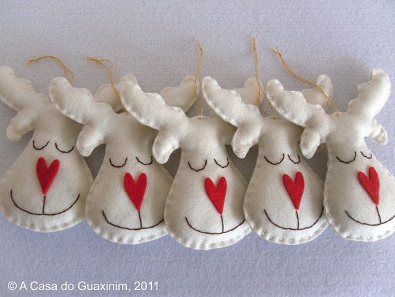 Set of 6 pearl Reindeers  Christmas ornaments by acasadoguaxinim, €15.00