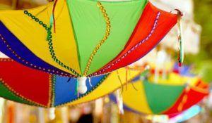 Confira ideias para decoração de carnaval e descubra como deixar a sua casa em clima de folia. Veja também sugestões para realizar uma festa de carnaval bem alegre e colorida.