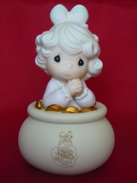 14 best easter gift ideas images on pinterest easter gift chips precious moments you are the end of my rainbow free shipping this sweet little girl is sitting in a pot of gold collectors club edition 94 symbol negle Choice Image