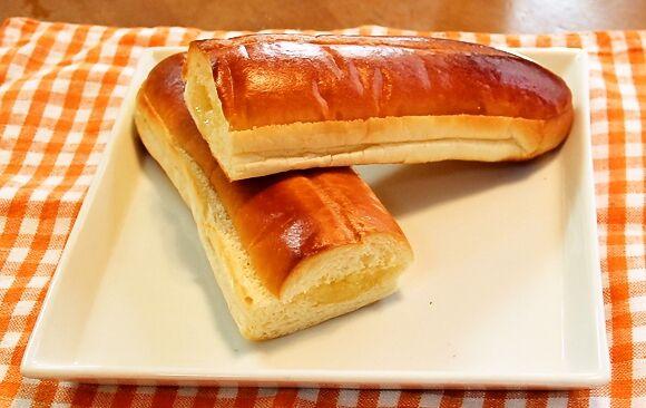 男の食卓は、普段料理をしない独身男性でも手軽にできるレシピを紹介するコーナー。  今回は、誰しもが食べたことのある菓子パン「ナイススティック」にひと手間加えた「 …
