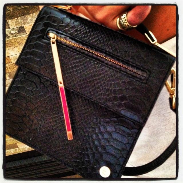 Sneha Varma 'Tacit' shoulder bag - black