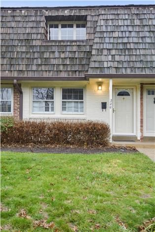 www.thegirlsofrealestate.com ~ $389,000. Home For Sale in Virginia Suburbs-Washington DC | 220 S. Virginia Ave. Falls Church, VA #fallschurch #homeforsale #thegirlsofrealestate