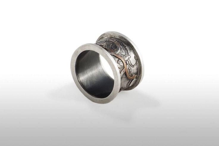 Anillo en plata ley oxidada con incrustaciones cobre de AzulJoies en Etsy
