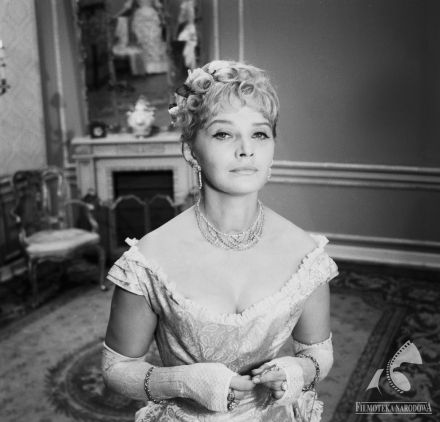 """Lucyna Winnicka - """"Godzina pąsowej róży"""" (dir. Halina Bielińska, 1963)"""