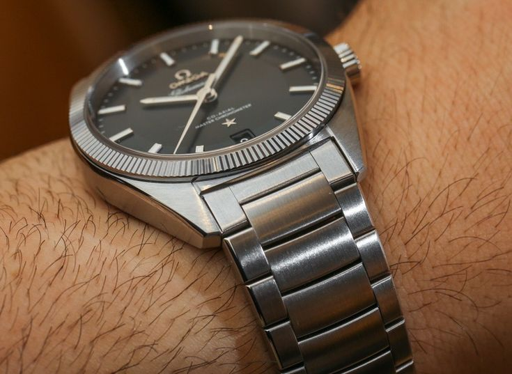 Omega-Globemaster-Co-Axial-Master-Chronometer-hands-on-aBlogtoWatch-11