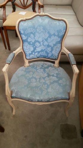 4001 - barok stoel blauw gebloemde stof