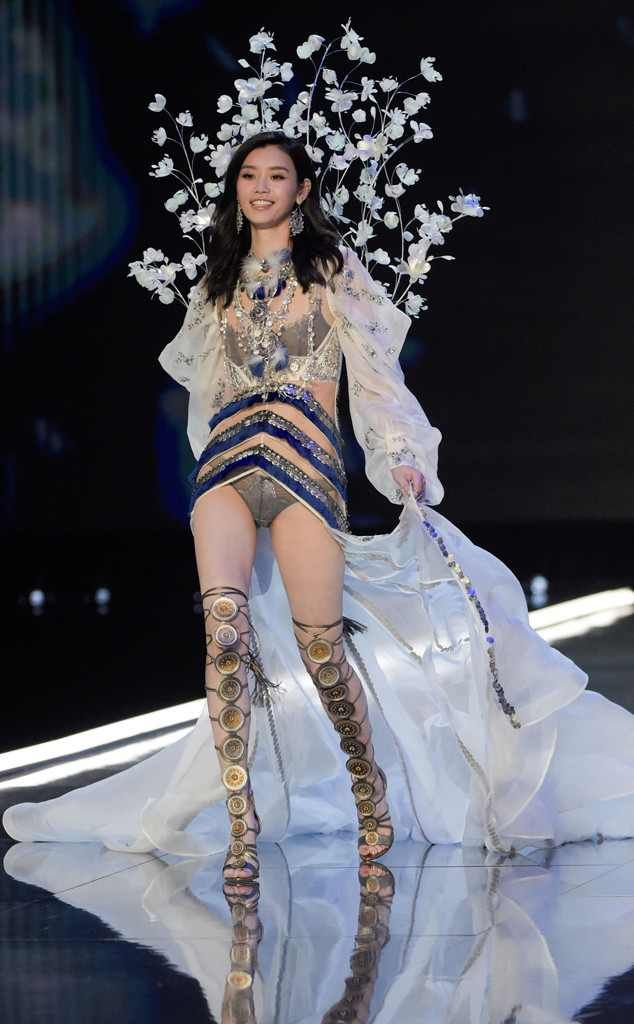 Ming Xi from 2017 Victoria's Secret Fashion Show Believe t or not, she's no ice queen.