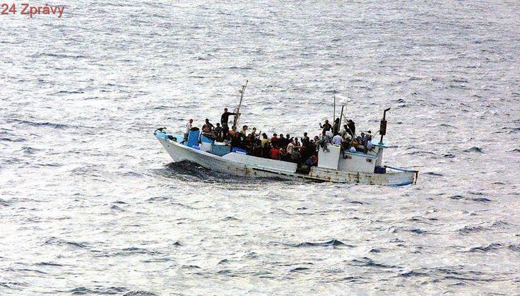 Libyjská hlídka na moři zastavila člun se 40 uprchlíky