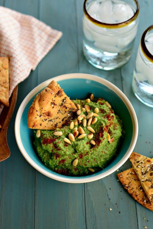 Roasted Garlic Kale Hummus  - delicious and nutritious! #kale #hummus #vegan