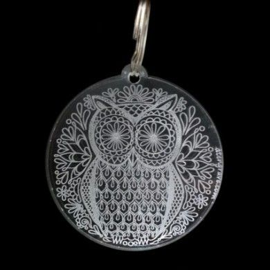 Llavero Buho mandala de DT Engrave. Owl mandala keychain from dtengrave.com