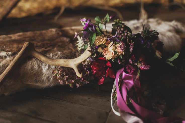 Concept, decor and flowers - Mrs. Maxim Wed Bureau // Photo - A. Kinyapin // Invitations - Print my Dream // #wedding #game #of #thrones #love #decor #flowers #bouqet #bride #ceremony #woods #forest #nature