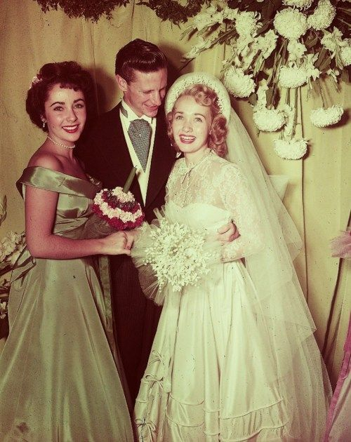"""Elizabeth Taylor as a bridesmaid at Jane Powell's wedding to former figure skater Gearhardt """"Geary"""" Anthony Steffen, November 5, 1949."""