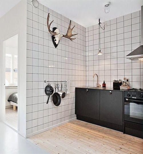 Cocina con azulejos cuadriculados