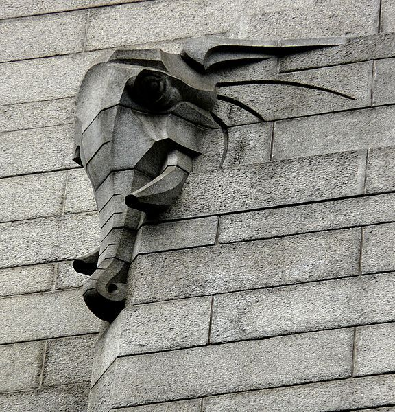 By Ivan Mitford-Barberton (sculptor) and Alfredo Lorenzi (mason). File:Elephant in granite on the Mutual Building Cape Town.jpg