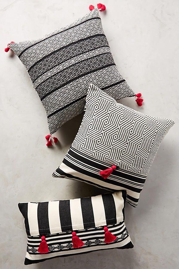 Slide View: 2: Mercado Global Comalapa Pillow