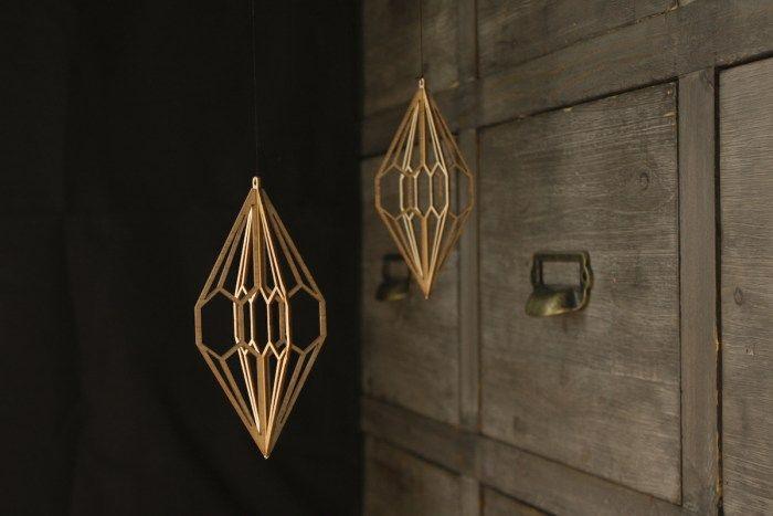 Valona design Diamond -Birch Crystal. These wooden decorations are laser cut and made in Finland. Designed by Elina Mäntylä, Valona design. www.valona.fi   MadeBy: Koivukristalli -Timantti 2kpl
