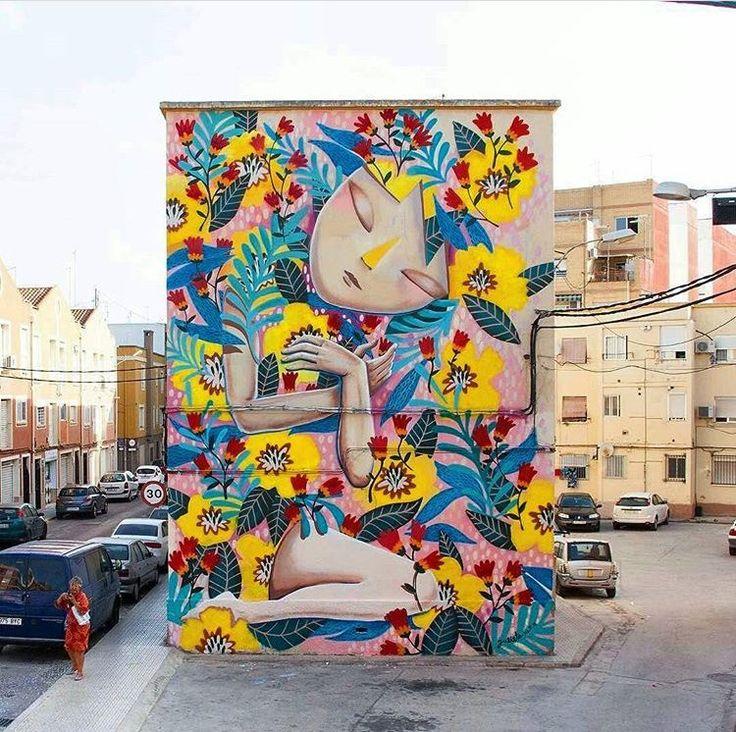 Picassent, Spagna: nuovo pezzo della street artist spagnola Julieta XLF. LINK UTILI: Julieta XLF su questo blog | Website | Flickr | Facebook fan page ——————&#82…