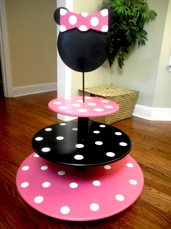 Gonna try and make this MINNIE MOUSE Whimsical Cupcake Tower by BUTTONSANDBOW on Etsy, $120.00