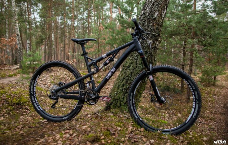 Some test ride on Rose Granite Chief 2. More: http://mtb.pl/test-czarna-strzala-rose-granite-chief-2-4237