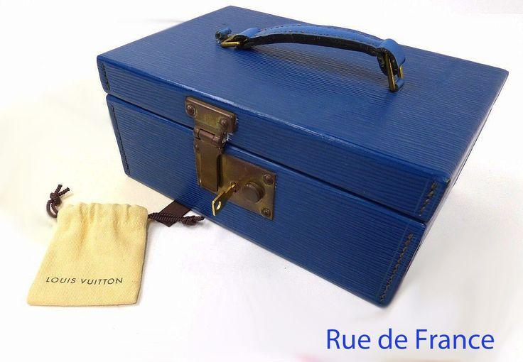 Vintage Louis Vuitton jewel box in blue epi leather
