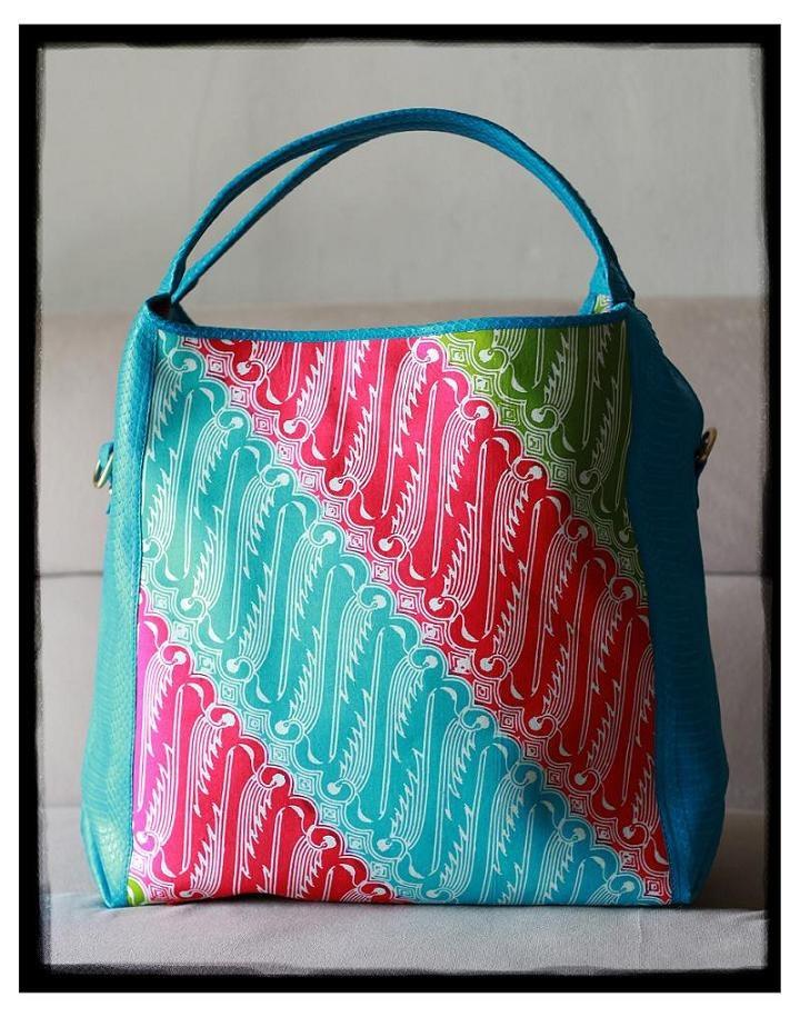ERLA Bag (Parang Solo Batik)