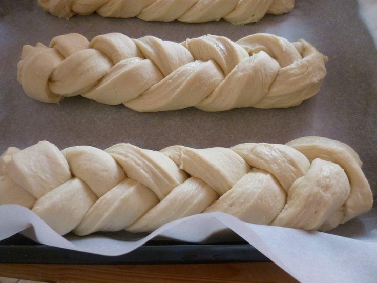 pane puff, con lievito madre, è un golosissimo pane sfogliato da colazione, ideale per partire con l'energia necessaria accompagnato da un buon cappuccino