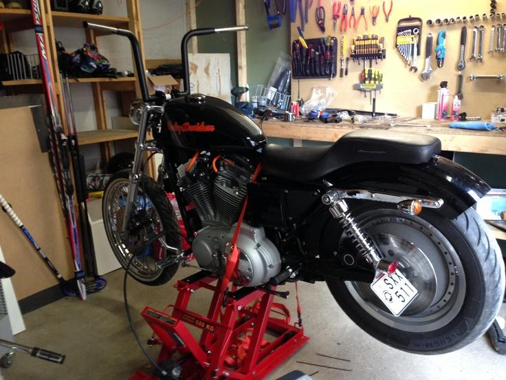 """12"""" Chubby Ape Z-bars har anlänt från http://www.cycle-parts.com borta i Amerikat. Styret endast testmonterat vid fototillfället. En hel del kabeldragning och lödning återstår."""