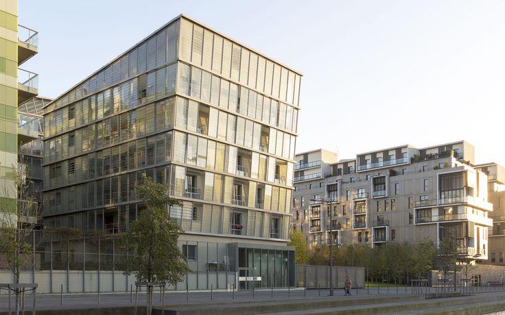 Housing Construction | Tania Concko | Architects Urbanists LYON CONFLUENCE LOT A Photograph © J-F TREMEGE
