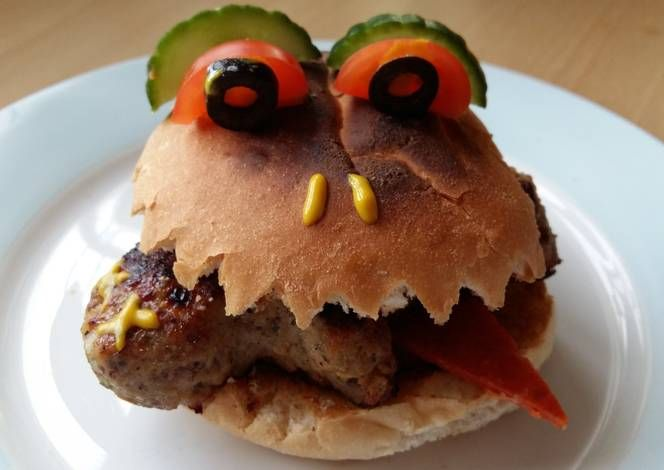 Vickys Halloween Man-Eating Bun! Recipe -  Yummy this dish is very delicous. Let's make Vickys Halloween Man-Eating Bun! in your home!
