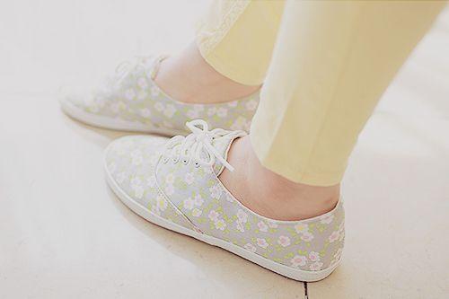 Cutie sneakers. Please join my wardrobe