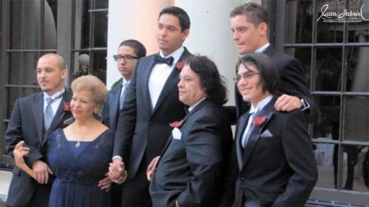 #25Ago Hijos del cantante mexicano Juan Gabriel libran una fuerte batalla por su herencia - http://www.notiexpresscolor.com/2017/08/25/25ago-hijos-del-cantante-mexicano-juan-gabriel-libran-una-fuerte-batalla-por-su-herencia/