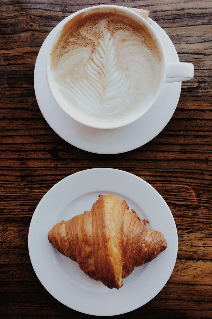 Croissant et café