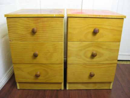 $40 2x BEDSIDE TABLES Drawers 39x39x60cm Text 0411691171 or email info@bitspencer.com