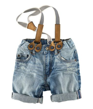 Shorts with suspenders via H&M