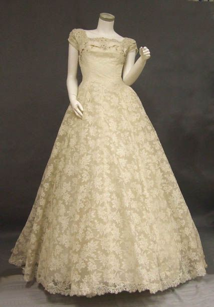 Saks Beaded Lace Early 1950s Wedding Gown W Train